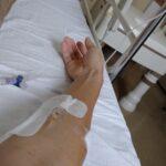 新型コロナウィルス感染症で入院したときに特例承認のベクルリーを点滴しているときの様子